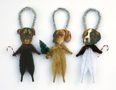 DIY Pinspiration: Christmas Dogs Chenille Ornaments - How cute would these be with pics of your own dogs or cats. Looks simple - just chenille pipe cleaners & glue. Reminds me of old Victorian ornaments.