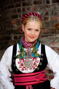 A beautiful girl in an even more gorgeous beltestakk Norwegian Clothing, European Clothing, Folk Costume, Costumes, Scandinavian Fashion, Love Actually, Medieval Dress, Great Hair, Traditional Dresses