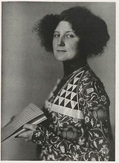 Emilie Louise Flöge, born 30 August 1874 in Vienna, Austrian fashion designer and businesswoman.
