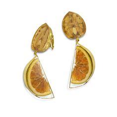 Pour l'automne-hiver 2012-2013, la créatrice italienne de bijoux s'est associée à Humberto Leon et Carol Kim, le duo de directeur artistiques de Kenzo
