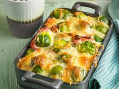 Brussels sprouts from the Eislein oven chef - Essen - Meat Recipes Baked Salmon Recipes, Shrimp Recipes, Pork Recipes, Crockpot Recipes, Chicken Recipes, Cooking Recipes, Oven Recipes, Cake Recipes, Clean Eating Recipes
