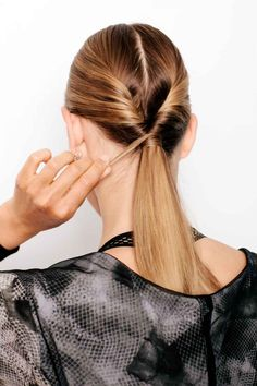 Once you've tied off both sections, pull them together in the center and secure with another elastic. For a more polished look, wrap a small piece of hair around your hair tie. Ethnic Hairstyles, Permed Hairstyles, Easy Hairstyles, Grey Hair Treatment, Grey Hair Coverage, Grey Hair Dye, Workout Hairstyles, Different Hairstyles, Gorgeous Hair
