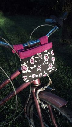 Bicycle bag- used this tute, tweeked it a little. http://www.sewmamasew.com/2012/06/readysetgo-ready-to-roll-bike-pouch/