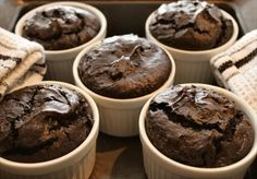 Ooey-Gooey Little Chocolate Cakes
