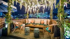 The folks at Coppa Club, the restaurant behind those festive igloos, have installed seven cabanas along the Thames – Riverside Terrace, Best Rooftop Bars, Outdoor Restaurant, Restaurant Ideas, Outdoor Furniture Sets, Outdoor Decor, Outdoor Ideas, Rooftop Terrace, London Restaurants