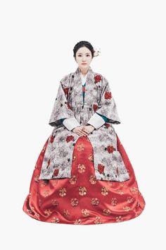 hanbok 1월1일 새해를 여는 풍경한복 녹의홍상 젊은여자의 고운 옷차림을 이르는 '녹의홍상'' 오늘 날 다양한 디자...