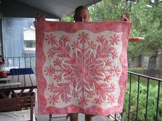 I made this (from a kit)! Hawaiian quilt + Japanese cherry blossom :) x Pink Quilts, Colorful Quilts, Small Quilts, Hawaiian Quilt Patterns, Hawaiian Quilts, Quilting Projects, Quilting Designs, Applique Wall Hanging, Shabby Chic Quilts
