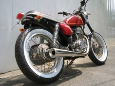 Yamaha: Image For Yamaha Cafe Racer, Red Yamaha SR400 Cafe Racer with White Wall Tires and Trimed Seat Rear Right Angle View