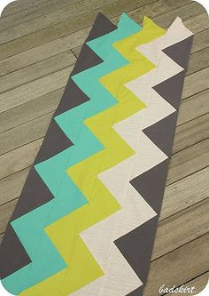 Cheveron pattern-love the colors. - @Kathy Chan Chan Serre