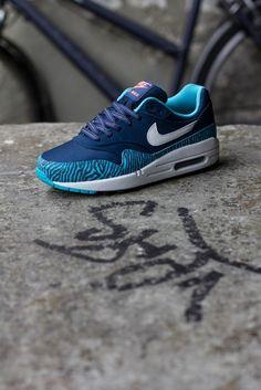 Nike Air Max 1 GS 'Zebra Blue' perfection