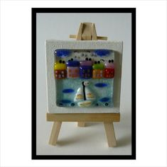 One-Off' Handmade Fused Glass 'Little Bobbing Boat' picture.