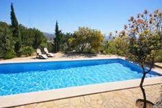 Belle villa avec piscine privée, grand jardin, parking privée pour 3-4 voitures