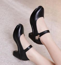 Platform pumps – High Fashion For Women Cute High Heels, Platform High Heels, High Heel Pumps, Women's Pumps, Stiletto Heels, Round Toe Pumps, Kinds Of Shoes, Party Shoes, Court Shoes