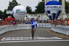 Elena Cecchini wins
