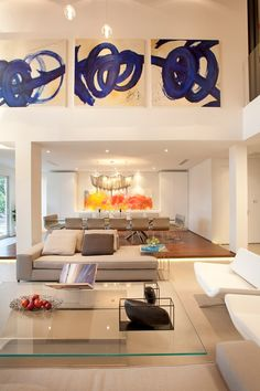Wonderful Miami Modern House Design that Reflects Modern Interior : Cozy Living Room In Miami Modern Home Glass Table Residential Interior Design, Best Interior Design, Home Interior, Stylish Interior, Contemporary Interior, Living Room Designs, Living Spaces, Living Area, Home Staging