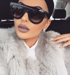 """Retro """"ANDREA"""" Ombre Gradient Two Tone Flat Top Designer Inspired Sunglasses. across temples lens height nose bridge arm length. Retro Sunglasses, Sunglasses Women, Sunglasses For Your Face Shape, Lunette Style, Look Fashion, Womens Fashion, Daily Fashion, Cute Glasses, Fashion Eye Glasses"""