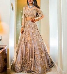 email us at sajsacouture@gmail.com ✨ Asian Bridesmaid Dresses, Indian Bridesmaids, Bridesmaid Outfit, Punjabi Wedding, Desi Wedding, Pakistani Bridal, Bridal Lehenga, Indian Bridal, Indian Fashion Jewelry
