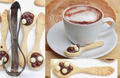 Biscuits, Tableware, Kitchen, Crack Crackers, Cookies, Dinnerware, Cooking, Tablewares, Kitchens