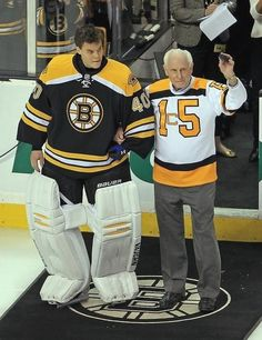 Bruins legend Milt Schmidt excited to see Canadiens in.: Bruins legend Milt Schmidt excited to see Canadiens… Goalie Pads, Goalie Gear, Hockey Goalie, Field Hockey, Hockey Sport, Sport 2, Boston Bruins Players, Boston Bruins Hockey, Boston Sports