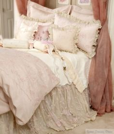 love this bed skirt