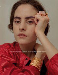 Chloe Nardin by Isaac Marley Morgan for L'Officiel Mexico June 2017
