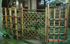 The Bamboo Garden Fence Inspirational Japanese Bamboo Fence Rope Work Garden Architecture Lb Bamboo Design, Pond Design, Garden Design, Bamboo Garden Fences, Garden Gates, Garden Pond, Bamboo Fountain, Screened Porch Decorating, Japanese Bamboo
