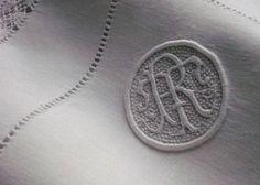 Monogram R D