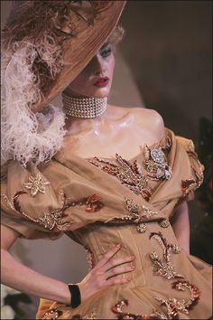 girlannachronism:  Christian Dior fall 2007 couture details