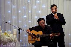 30th anniversary = pearl wedding He sing a song (Bức thư tình đầu tiên, you know?) as a gift forhis companion. companion