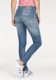 66563e8245cd Please Jeans Boyfriend-Jeans »P46M«, mit schräger Knopfleiste für 109,95€.  Modische Boyfriendjeans