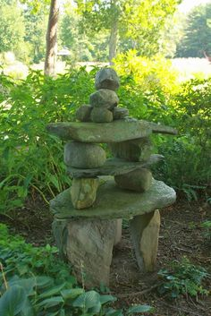by Bringing A Soulful Consciousness To Gardening, Sacred Space Can Be Created Outdoors.kelley Harrell, Natures Gifts Anthology (photo: Jill Nooney Creates Sacred Space In The Garden With Her Wonderful Rock Stacks) by Bringing A Soulful Conscio Great Ways Garden Crafts, Garden Projects, Diy Garden, Garden Types, Upcycled Garden, Garden Whimsy, Garden Junk, Garden Sheds, Diy Projects