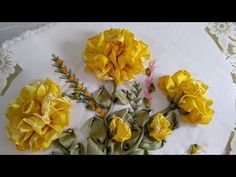 ROSA REINA (EN ROSAL) - YouTube Silk Ribbon Embroidery, Embroidery Kits, Silk Flowers, Fabric Flowers, Ribbon Art, Tattoo Drawings, Diy And Crafts, Wedding Decorations, Floral Wreath