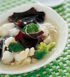 Soupe chinoise au cabillaud et aux shiitakes