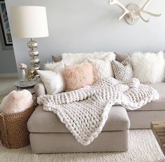 Make a girly glam meets rustic chic living room layout a la Styled By Kasey& chunky knit. Make a girly glam meets rustic chic living room layout a la Styled By Kasey's chunky knits and rosy throws Small Living Room Layout, Chic Living Room, Small Living Rooms, Home Living Room, Apartment Living, Living Room Designs, Living Room Decor, Bedroom Decor, Cozy Living