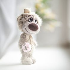 Collectible mohair teddy bear Taggart- Artist Bear OOAK Hi. I am getting married and soon you will see my Needle Felted Animals, Felt Animals, Needle Felting, Teddy Beer, Old Teddy Bears, Deco Kids, Bear Party, Cute Stuffed Animals, Tatty Teddy