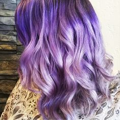 Fall in love with this lush, lovely lavender. Warm Red Hair, Hair Color For Brown Skin, Hair Color Purple, Blonde Color, Hair Color Balayage, Haircolor, Gents Hair Style, Shades Of Red Hair, Bleach Blonde Hair