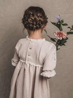 Fashion Tops For Toddlers Refferal: 5076901477 Little Girl Fashion, Little Girl Dresses, Toddler Fashion, Kids Fashion, Girls Dresses, Flower Girl Dresses, Flower Girl Hairstyles, Little Girl Hairstyles, Kids Clothing Rack