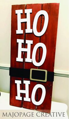 Ho Ho Ho Santa Inspired Pallet Sign 11 wide by 20 tall How cute is this? Wooden Pallet Signs, Wooden Pallet Projects, Pallet Crafts, Wooden Pallets, Pallet Ideas, Christmas Wood Crafts, Pallet Christmas, Christmas Projects, Christmas Decorations