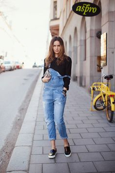 Denim dungarees from Zara, clutch from Zara, top from T by Alexander Wang at Soho Soho, bracelet from Nathalie Schuterman and Celine shoes. Denim Fashion, Look Fashion, Autumn Fashion, Womens Fashion, Fashion Trends, Blue Fashion, Street Style Trends, Dungarees Outfits, Denim Overalls
