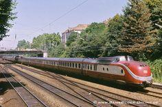 im August 1984 in Offenburg By Train, Train Car, Train Tracks, Europa Express, Station To Station, Rail Transport, Kuala Lumpur, Model Trains, Railroad Tracks