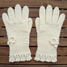 Links to a lot of nice pattern for mittens & gloves Both in Swedish and English!!!