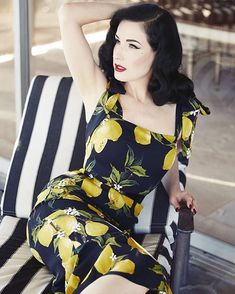 Burlesque dancer, model, costume designer, and entrepreneur Dita Von Teese is photographed for Hello! UK on November 2015 in Los Angeles, California. Fashion Mode, Retro Fashion, Vintage Fashion, Pin Up Fashion, Luxury Fashion, Fashion Trends, Womens Fashion, Retro Mode, Mode Vintage