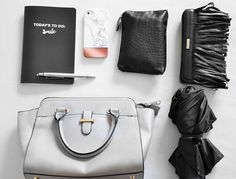 Whats in my Bag & Caseapp Giveaway now on www.modewahnsinn.de