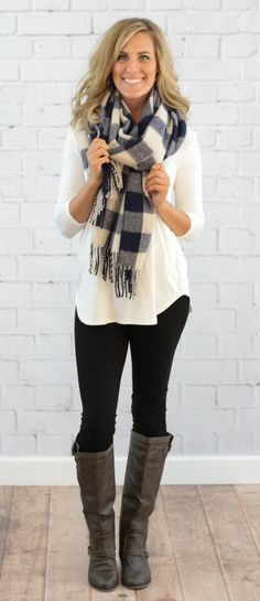navy & white blanket scarf outfit with scarf, black leggings outfit fall, outfits Preppy Outfits, Winter Fashion Outfits, Mode Outfits, Fall Winter Outfits, Look Fashion, Casual Winter, Winter Clothes, Womens Fashion, Cozy Winter