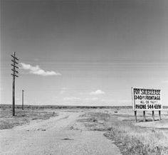 TO DO! La rétrospective de Robert Adams « l'endroit où nous vivons » s'installe au Jeu de Paume jusqu'au 18 mai 2014. 40 ans de photographie en petit format qui retrace le développement de l'Ouest Américain, du 20e au 21e siècle. Reconnu pour ses tirages de paysages Américains, Robert Adams plai ... http://www.appartonaute.com/la-retrospective-de-robert-adams-lendroit-ou-nous-vivons/ - #Chasseur_Dappartement, #Immobilier, #Paris, #TO_DO