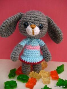 sale-pdf amigurumi crochet pattern Bunny rabbit por jennyandteddy