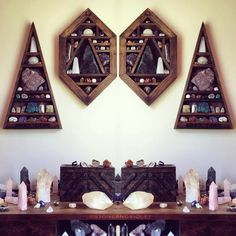 meditation room with crystals decor. Wiccan Decor, Witchy Room Ideas, Witchy Gifts meditation room with crystals decor. Rock Bedroom, Bedroom Decor, Bedroom Shelves, Wooden Bedroom, Bedroom Ideas, Crystal Shelves, Glass Shelves, Display Shelves, Wall Shelves