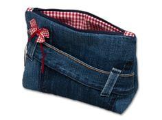 Very cute combination. Denim Handbags, Tote Handbags, Unique Handbags, Cute Wallets, Diy Handbag, Denim Bag, Denim Jeans, Zipper Bags, Small Bags