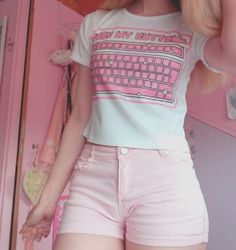 14 Kawaii Outfit and Makeup Ideas to Inspire You | Instagram @momonochi #kawaii #kawaiigirl kawaii fashion, tumblr outfit, #tumblroutfit pastel outfit, cute outfits, pink shorts, summer outfits