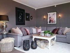 Pedestal Coffee Table, Pine Coffee Table, Outdoor Coffee Tables, Coffee Table Design, Coffee Table Pictures, Patio Table, Living Room Inspiration, Grey Walls, Bedroom Furniture